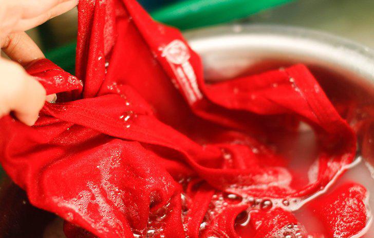 Hướng dẫn giặt áo thun in