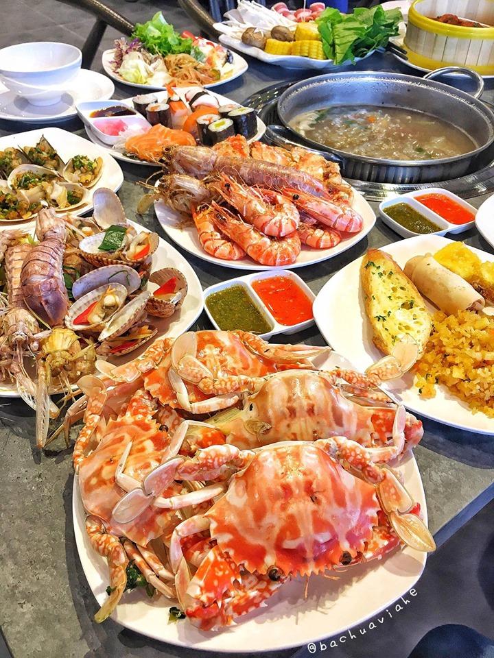 Buffet hải sản tại nhà hàng Cửu Vân Long