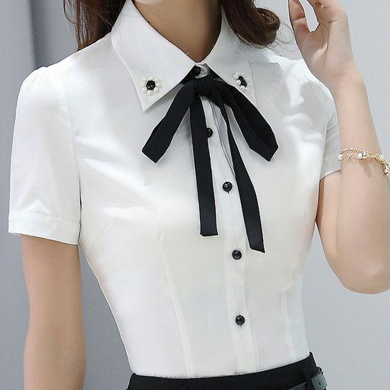 Với áo sơ mi đồng phục, chị em công sở có thể thay đổi phong cách mỗi ngày