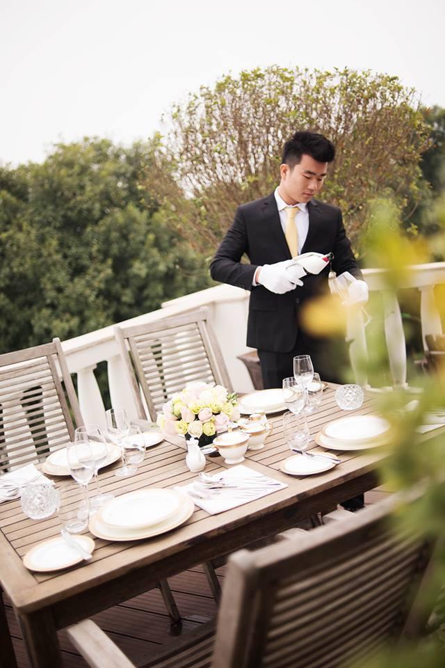 Đồng phục phục vụ của khách sạn 5 sao Apricot
