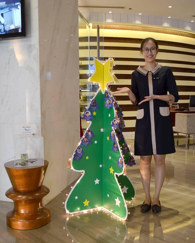 Đồng phục lễ tân của khách sạn Hotel de I' Opera Hanoi