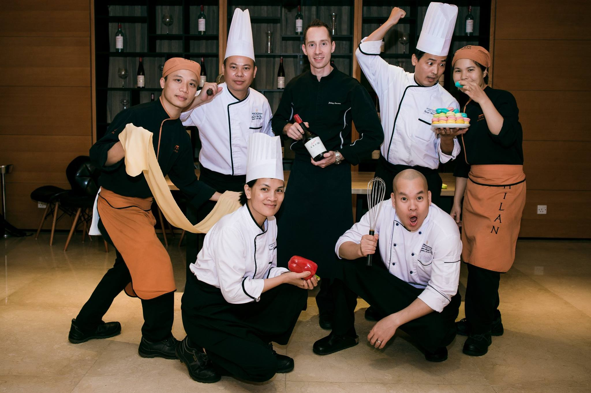 Đồng phục đầu bếp của khách sạn Intercontinental Ha Noi