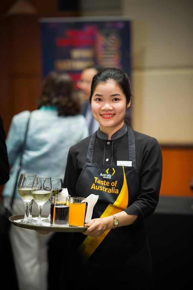 Đồng phục phục vụ tại khách sạn Melia Hà Nội