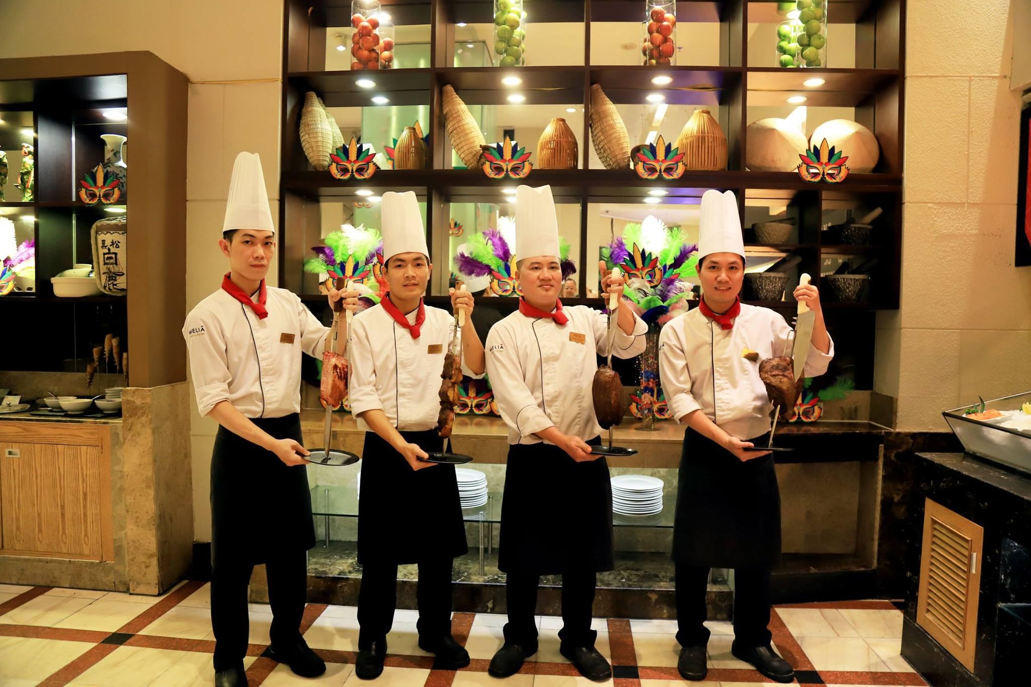 Đồng phục đầu bếp của khách sạn Melia Hà Nội