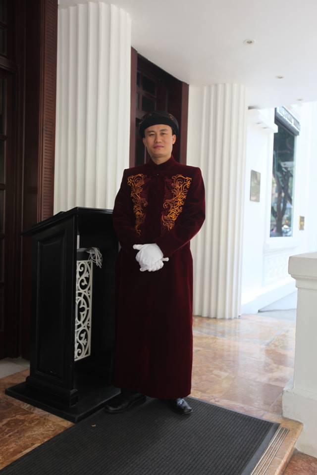 Đồng phục Bellman của khách sạn Sofitel Legend Metropole Ha Noi