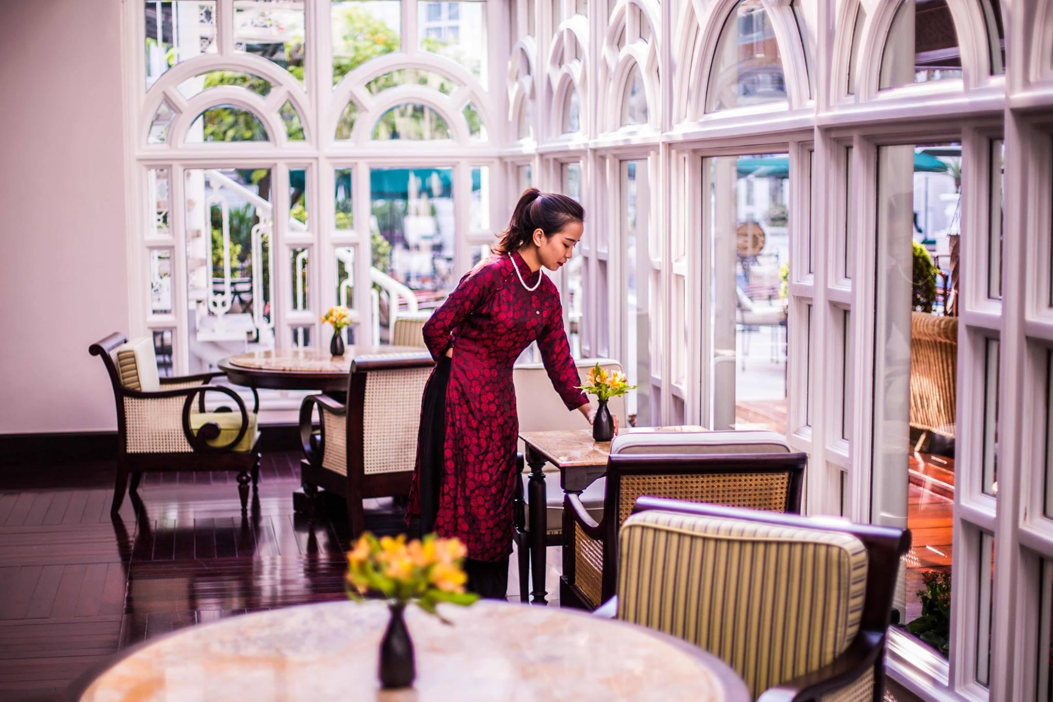 Đồng phục phục cụ của khách sạn Sofitel Legend Metropole Ha Noi