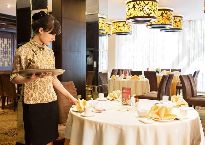 Đồng phục lễ tân nhà hàng Trung Quốc kiểu cách điệu