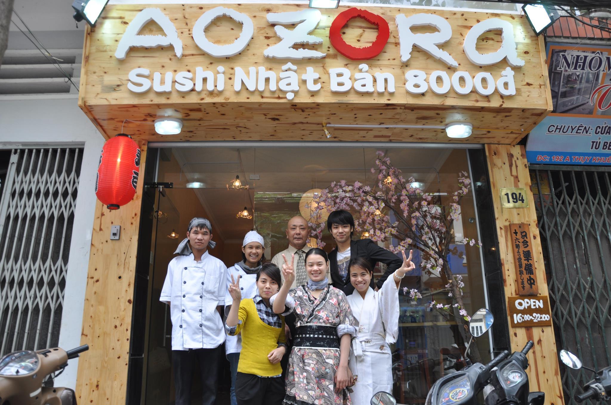Đồng phục của nhân viên tại nhà hàng Nhật Aozora