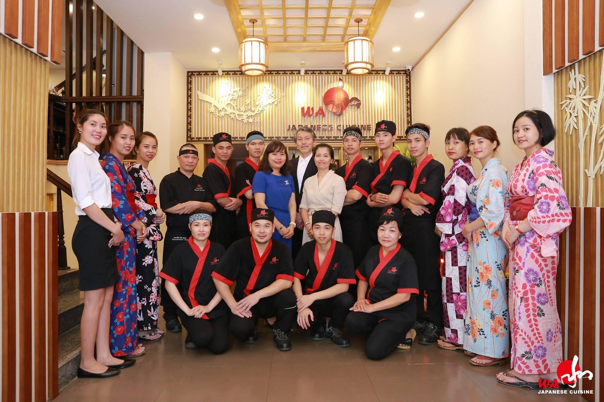 Đồng phục của nhân viên tại nhà hàng Nhật Wa Japaness Cuisine