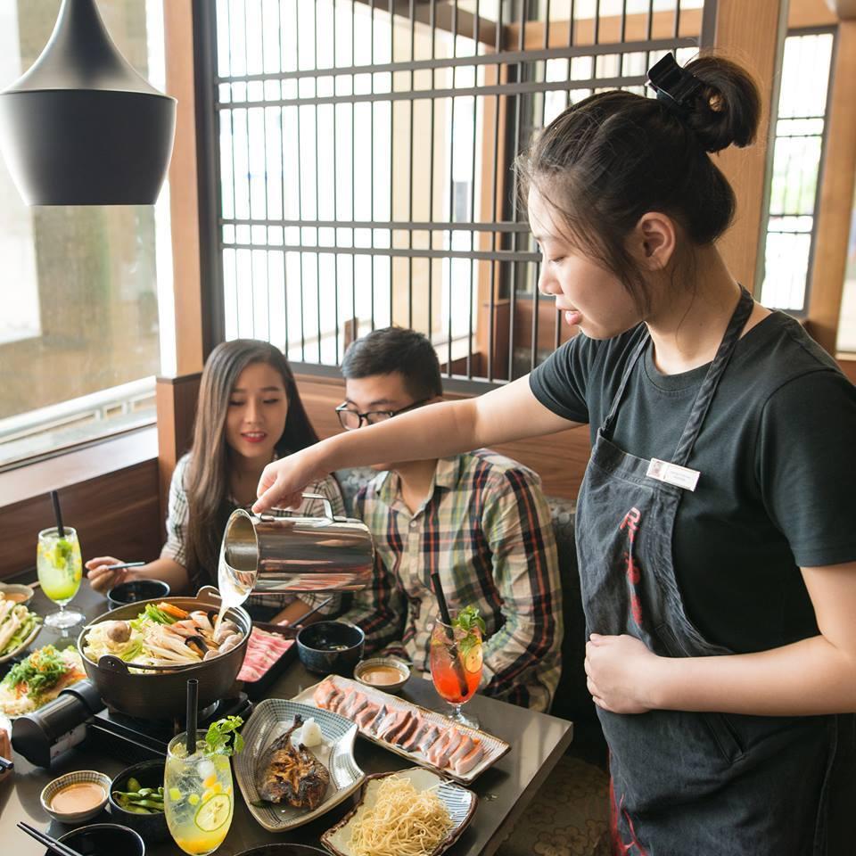 Đồng phục phục vụ của nhà hàng Daruma