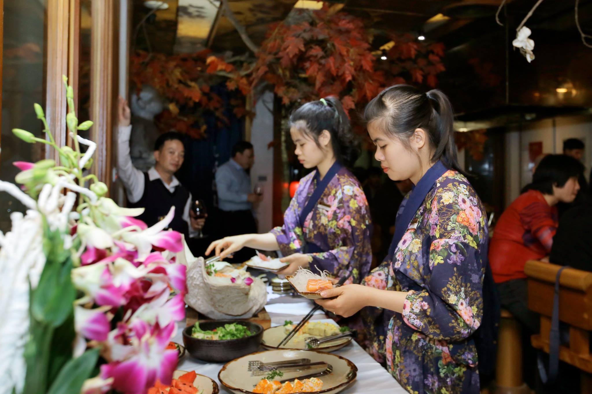 Đồng phục của nhân viên phục vụ tại nhà hàng Nhật Shinbashi