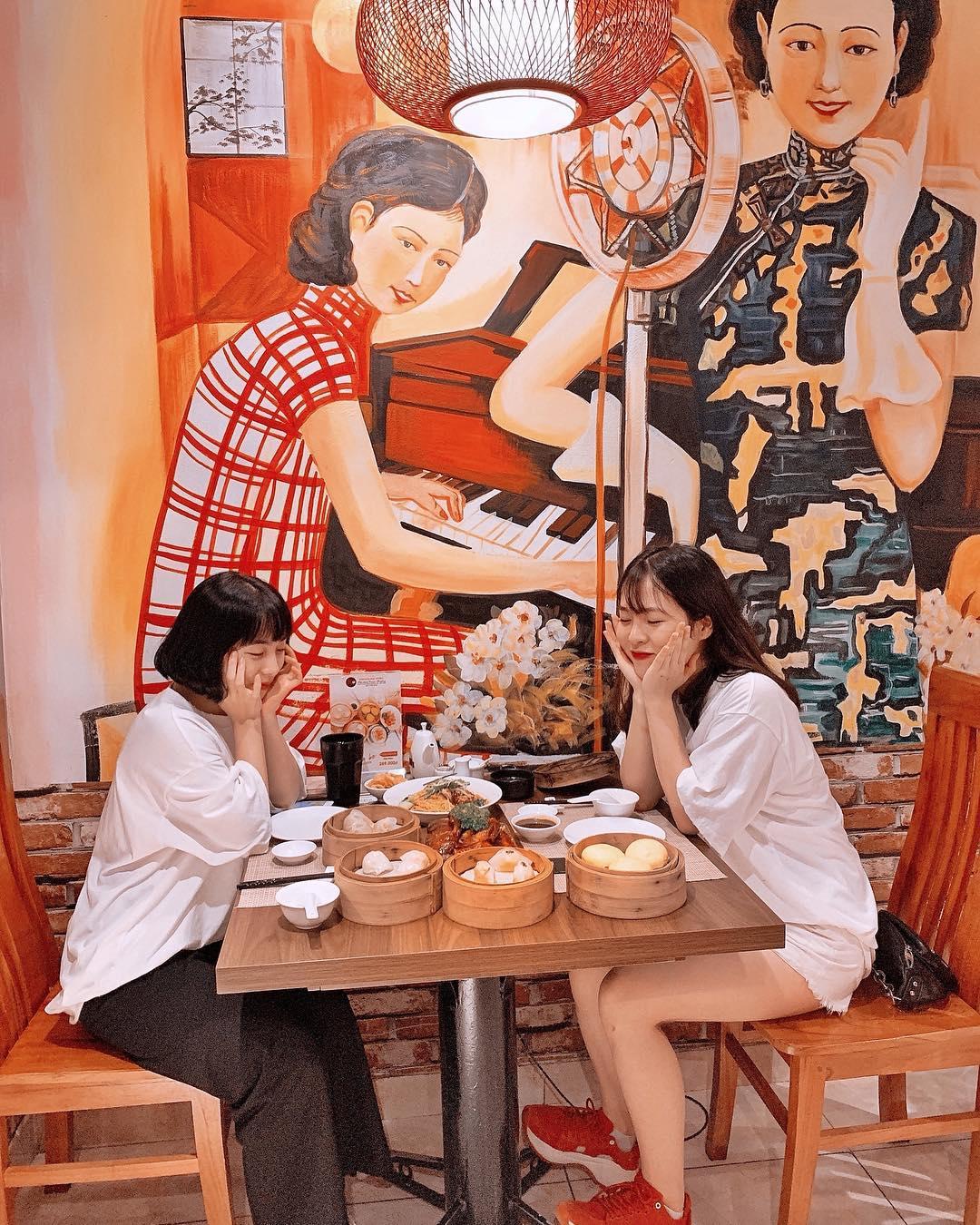 Quán dimsum Đại Hưng có không gian rất ấm cúng, phù hợp cho gia đình và nhóm bạn đến ăn