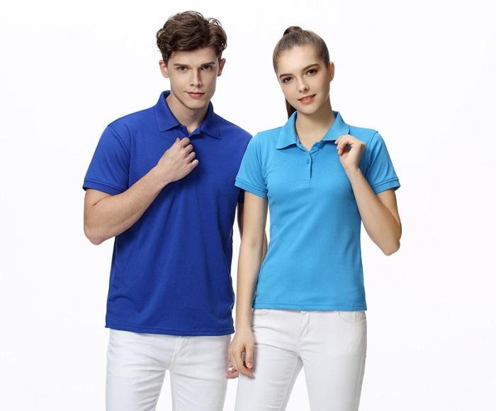 Mẫu đồng phục công sở dành cho cả nam và nữ với áo phông trơn có cổ cực thuận tiện và thoải mái