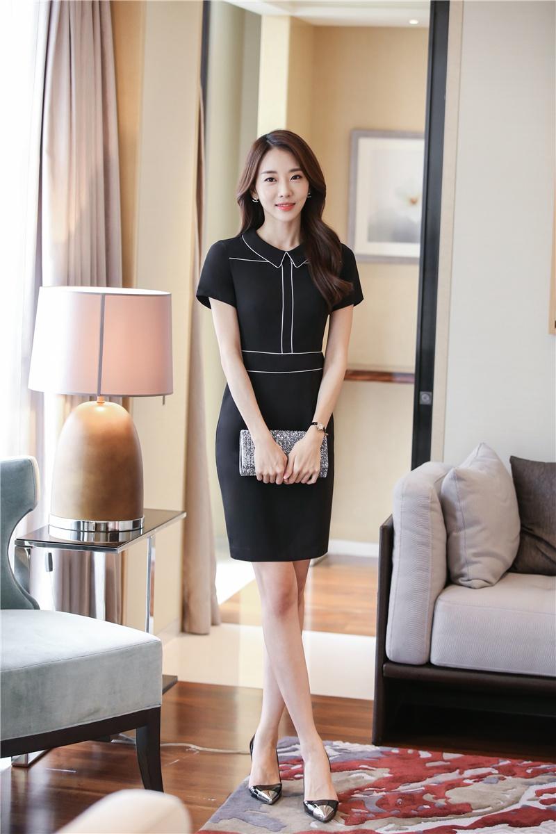 Mẫu đồng phục công sở cho nữ với váy liền cực sang trọng và gọn gàng
