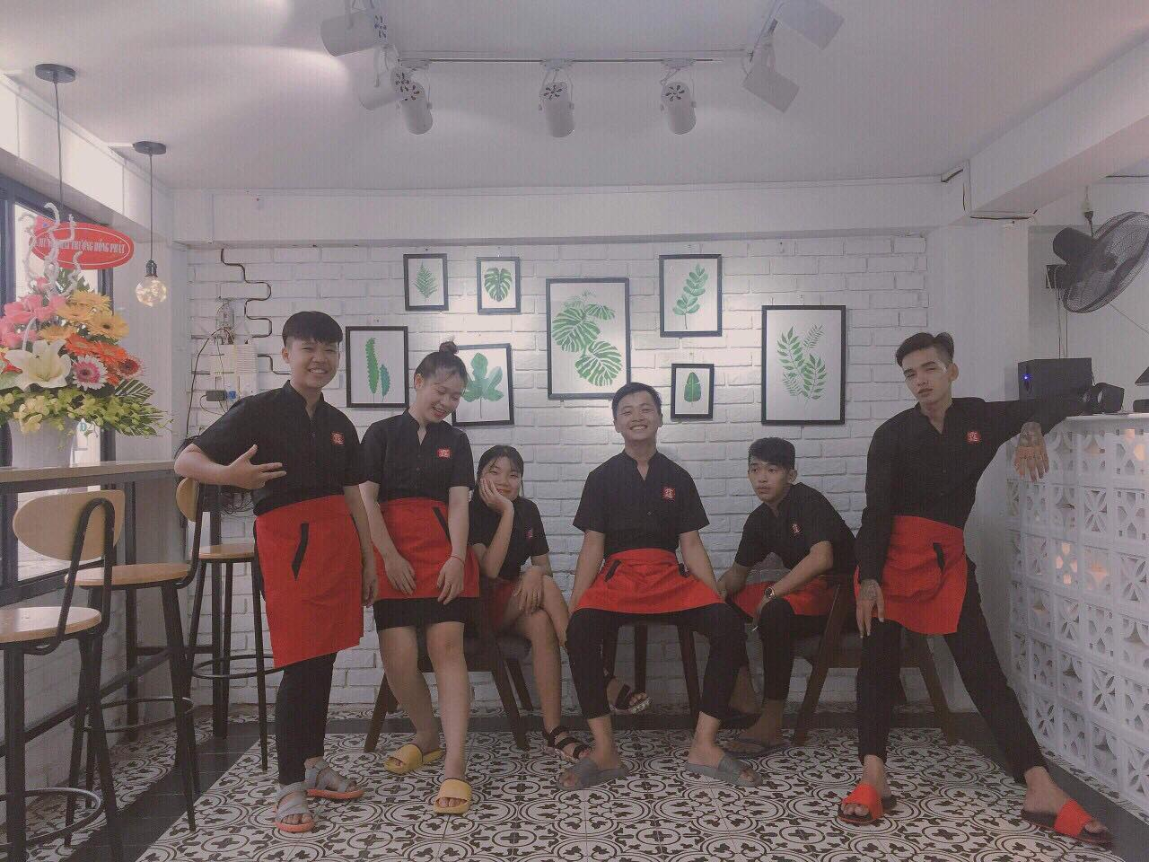 lam-sao-thiet-ke-dong-phuc-quan-cafe-dep