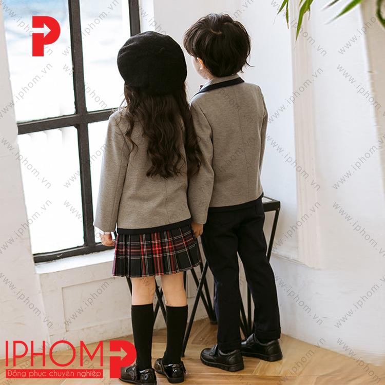 dong-phuc-hoc-sinh-cap-1-ao-vest-mau-ghi-gia-re