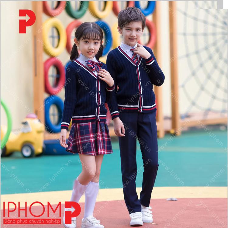 may-dong-phuc-hoc-sinh-cap-2-ao-len-chan-vay-xanh